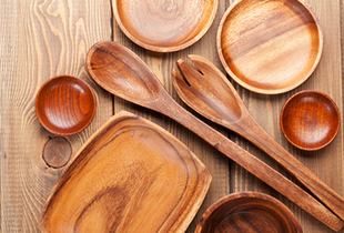 Choosing the Right Type of Wood for Your Kitchen Utensils