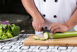 6 Mistakes People Make When Chopping Vegetables